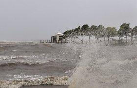 Klimatui atšilus pora laipsnių, Katrinos kalibro uraganai siautės dešimt kartų dažniau