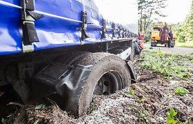 Planuoja priversti miškų savininkus susimokėti už sudarkytus kelius