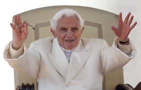 Popiežius emeritas Benediktas XVI skundžiasi bandymais jį nutildyti