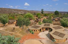 Madagaskare ketina statyti atspausdintas mokyklas: inovaciją įkvėpė bitės