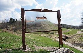 Merkinės piliakalnis tapo dar patrauklesnis: kas naujo čia nudžiugins?