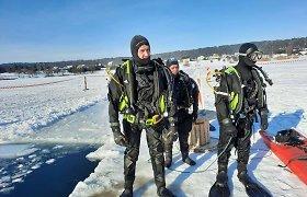 Kaune valant ledą ant Lampėdžio ežero, įlūžo traktorius, žmonės nenukentėjo