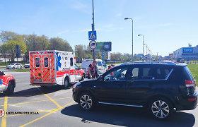 Antradienio avarijose kentėjo pėsčiasis, dviratininkas, autobuso ir taksi keleivis