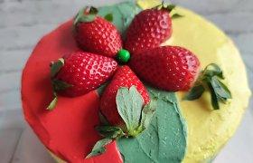 Lietuvos gimtadieniui plungiškiai iškepė 352 pyragus
