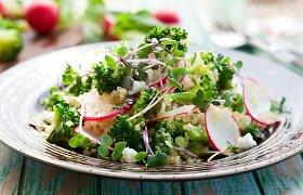 Gaivumo ir sotumo derinys – salotos su kruopomis ar kuskusu: 12 pavasariškų receptų