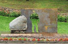 Liubave bus atidengtas paminklas partizanui Juozui Lukšai-Daumantui