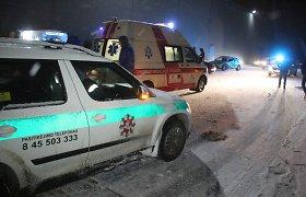 Sniegu pasidžiaugti sumanę jaunieji panevėžiečiai slidžioje aikštelėje daužė automobilius