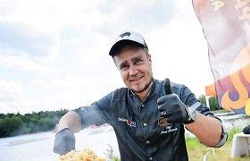 Logistiką į uzbekišką virtuvę iškeitęs plovo meistras P.Kolesnikas laimingas gamindamas