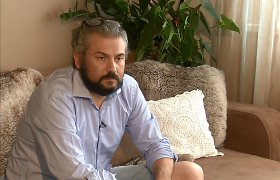 Nigelas Westas gyvena antisanitarinėmis sąlygomis: neturi darbo, pinigų, o bute – 4 laipsniai šalčio