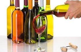 Smuko alkoholinių gėrimų akcizo surinkimas per šių metų ketvirtį – ar prie to prisidėjo išbalansuota akcizų politika?