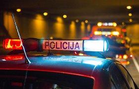 Pakruojo rajone ant kelio rastas mirtinai sužalotas vyras