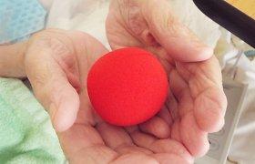Tarptautinė Alzheimerio ligos diena: klounų vizitai senjorams leidžia pajausti ryšį su kitu žmogumi