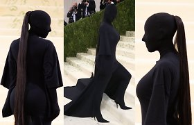 """K.Kardashian """"Met Gala"""" stilius linksmina internautus: lygina su ateiviais, psichais"""