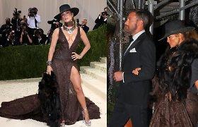 Jennifer Lopez ir Benui Affleckui bučiuotis netrukdo net kaukės