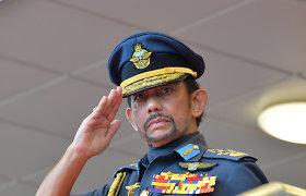 """Brunėjuje įsigaliojus šariatui, sultonas paragino """"įtvirtinti"""" islamo doktriną"""