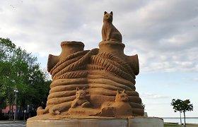 Juodkrantėje – smėlio šedevrai: ir gintarinė pilis, ir katinai
