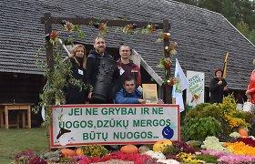 """Grybavimo čempionate per dvi valandas rasta per 100 kg grybų: laimėjo """"Dzūkucių"""" komanda"""