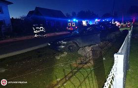 Galingas BMW naktį Šakių rajone nubloškė 18-metį dviratininką: koma ir mirtis