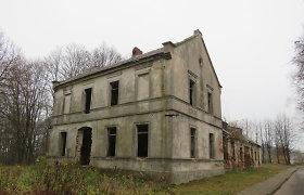 Griūvantis pastatas kelia grėsmę Bartninkų miestelio mokinių saugumui