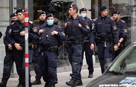 Austrijos policija surengė reidus per 60 adresų, siejamų su islamistais