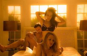 Umai Thurman naujame filme teko gultis į lovą su kolege Maggie Q