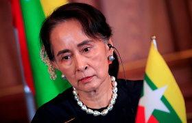 Nušalinta Mianmaro lyderė pirmuose po pučo komentaruose demonstravo tvirtą nusiteikimą