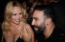 """Apie aktorę pasipasakojo klubo rūbinėje: """"Su Pamela Anderson seksas 12 kartų per naktį"""""""