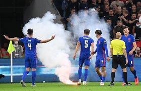 Dėl sirgalių siautėjimo – FIFA smūgis Vengrijai: mačai be žiūrovų ir bauda