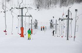Slidinėjimo trasoje Vilniuje – skaudi nelaimė: susidūrus dviem slidinėtojams, vienas jų patyrė sunkią galvos traumą