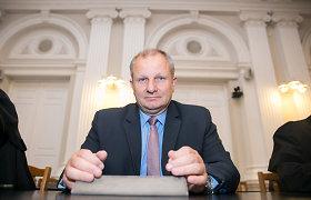 Prokuratūra areštavo K.Komskio ir jo sūnaus turtą, skyrė rašytinį pasižadėjimą neišvykti