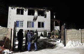 Ukrainoje po pražūtingo gaisro senelių namuose sulaikyti keturi asmenys