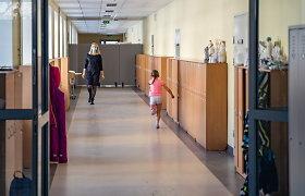 Žmogaus teisių komitetas kreipėsi į Vyriausybę dėl 5–11 klasių mokinių grąžinimo į klases: nuotolinis ugdymas – žalingas vaiko sveikatai
