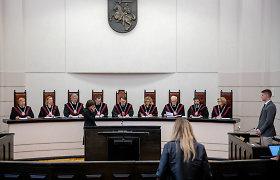 Kai kurie KT teisėjai papildomais darbais prie algos prisiduria dar tiek pat