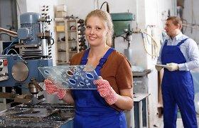 """Darbdaviai neranda kvalifikuotos darbo jėgos: problemą spręsti reikia """"iš pašaknų"""""""