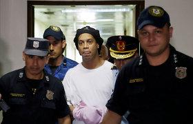 Ronaldinho išleistas iš Paragvajaus kalėjimo, bet tai dar ne pabaiga