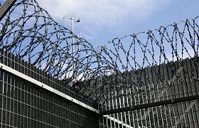 Gąsdina mitu apie koncentracijos stovyklą migrantams