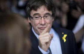 Madridas sveikina sprendimą panaikinti ieškomų katalonų europarlamentarų neliečiamybę