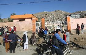 Afganistane autobusui užvažiavus ant pakelės bombos žuvo 11 žmonių