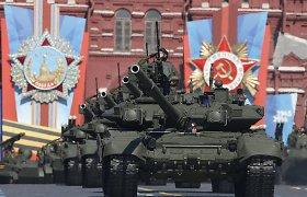 Kol Maskva giriasi karine galia, britai neigia laivo apšaudymą: nieko nebuvo