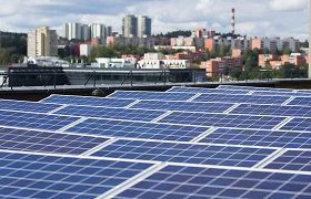Saulės elektrinę įsirengęs plungiškis įkvėpė ir kaimynus: sąskaita už elektrą kartais nesiekia euro
