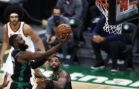"""Kylanti """"Celtics"""" žvaigždė taškus rinko taip greitai, kaip to iki šiol nedarė niekas kitas"""