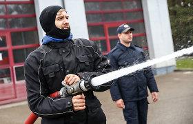 """""""Mototurizmo sprintas"""": azartiškos rungtys ugniagesių gelbėtojų mokykloje Valčiūnuose"""