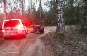 Prienų rajone motociklininkas pasirinko maršrutą medis–ligoninė–teismas