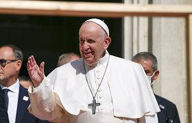 Popiežius Slovakijoje pagerbs Holokausto aukas
