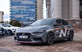 """Renkame """"Tautos automobilį 2020"""": elegantiškas chuliganas """"Hyundai i30 Fastback N"""""""