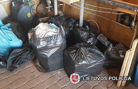 """Gyventojų skundai apie """"tašką"""" Šalčininkuose davė naudos: rasta rūkalų už 22 000 eurų"""