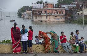 Indijoje iš krantų išsiliejus Gangai evakuoti tūkstančiai žmonių
