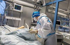 Ar atsidarome ne per greitai? Sparčiai auga COVID-19 pacientų skaičius ligoninėse, ieškoma savanorių