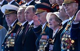 Rusų istorikas: Gegužės 9-oji yra V.Putino tuštybės festivalis su klounais, kurie per karą net nebuvo gimę