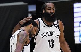 """K.Irvingas nustebino dėjimu, o """"Nets"""" ir be K.Duranto pratęsė pergalių seriją"""